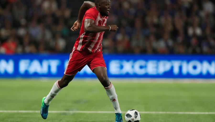 Bolt arrête déjà le foot — International