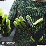 Reusch dévoile deux gants en collaboration avec KeeperSport