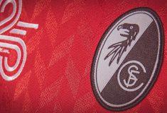 Image de l'article Hummel dévoile une édition limitée du maillot du SC Fribourg