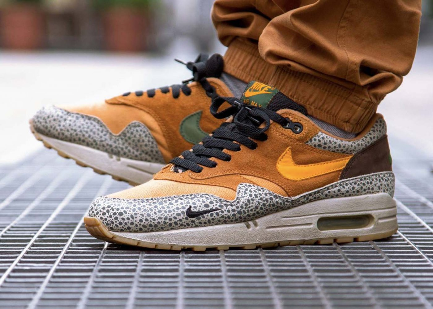 chaussures-nike-air-max-safari-mars-2019