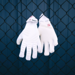 adidas célèbre le 100ème clean sheet de De Gea avec une paire de gants spéciale