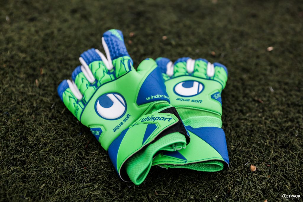 gants-uhlsport-aquasoft-HN-windbreaker