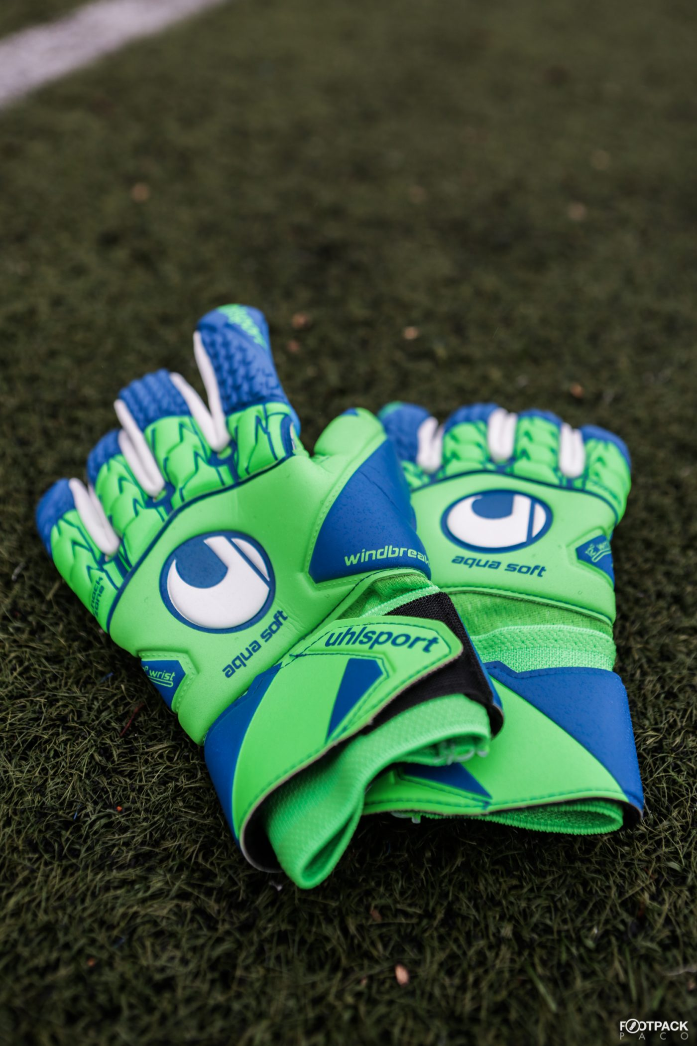 gants-uhlsport-aquasoft-HN-windbreaker-2