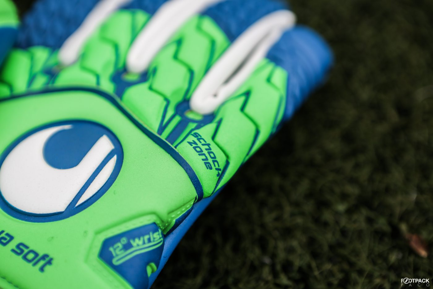 gants-uhlsport-aquasoft-HN-windbreaker-3