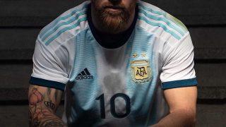 Image de l'article L'Argentine dévoile son nouveau maillot 2019 pour la Copa América