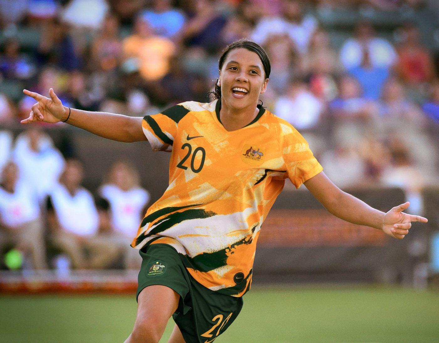 maillot-domicile-australie-coupe-du-monde-feminine-2019-nike-1.