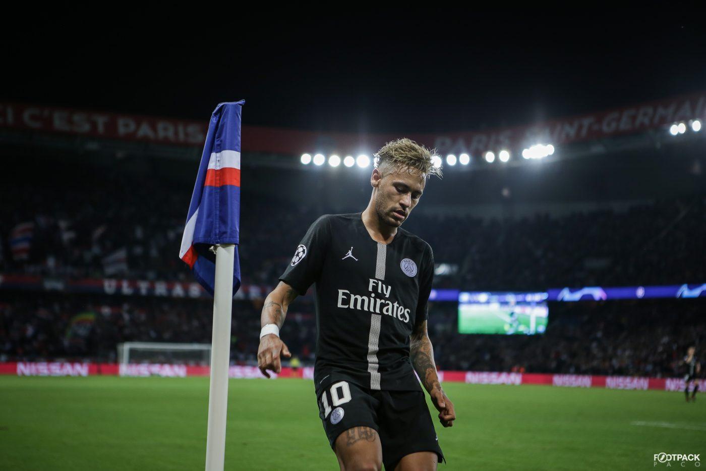 neymar-maillot-jordan-psg-naples-footpack