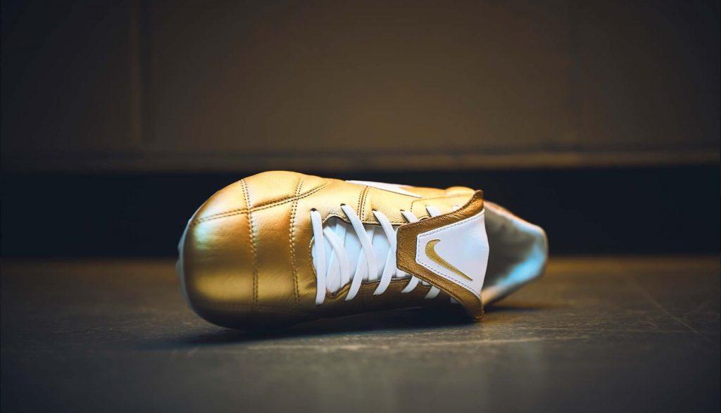Nike présente une Premier 2.0 qui s'inspire encore de Ronaldinho