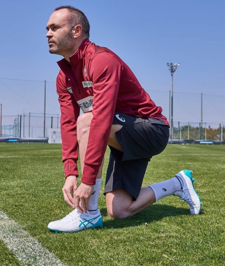 asics-x-fly-4-signature-andres-iniesta-2
