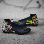 Pierre-Emerick Aubameyang reçoit des chaussures spéciales
