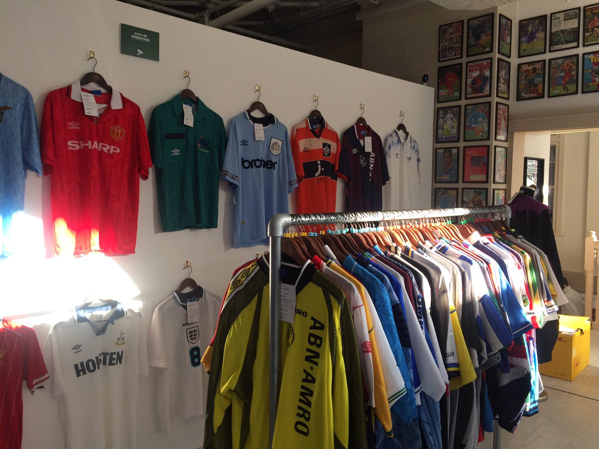 exposition-umbro-95-ans-mundial-mag-classic-football-shirt-8
