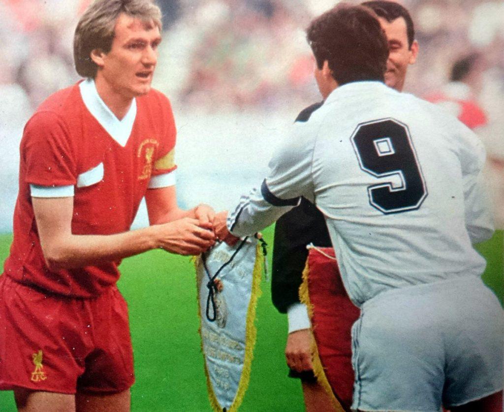 maillot-finale-ligue-des-champions-liverpool-1981