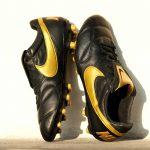 Nike lance un nouveau coloris noir et or 'Black Lux' pour la Premier II