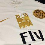 Un patch en hommage à la Cathédrale Notre-Dame sur le maillot du PSG