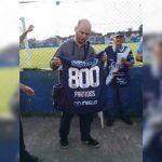 Un club de 4ème division argentine célèbre l'un de ses fidèles supporters