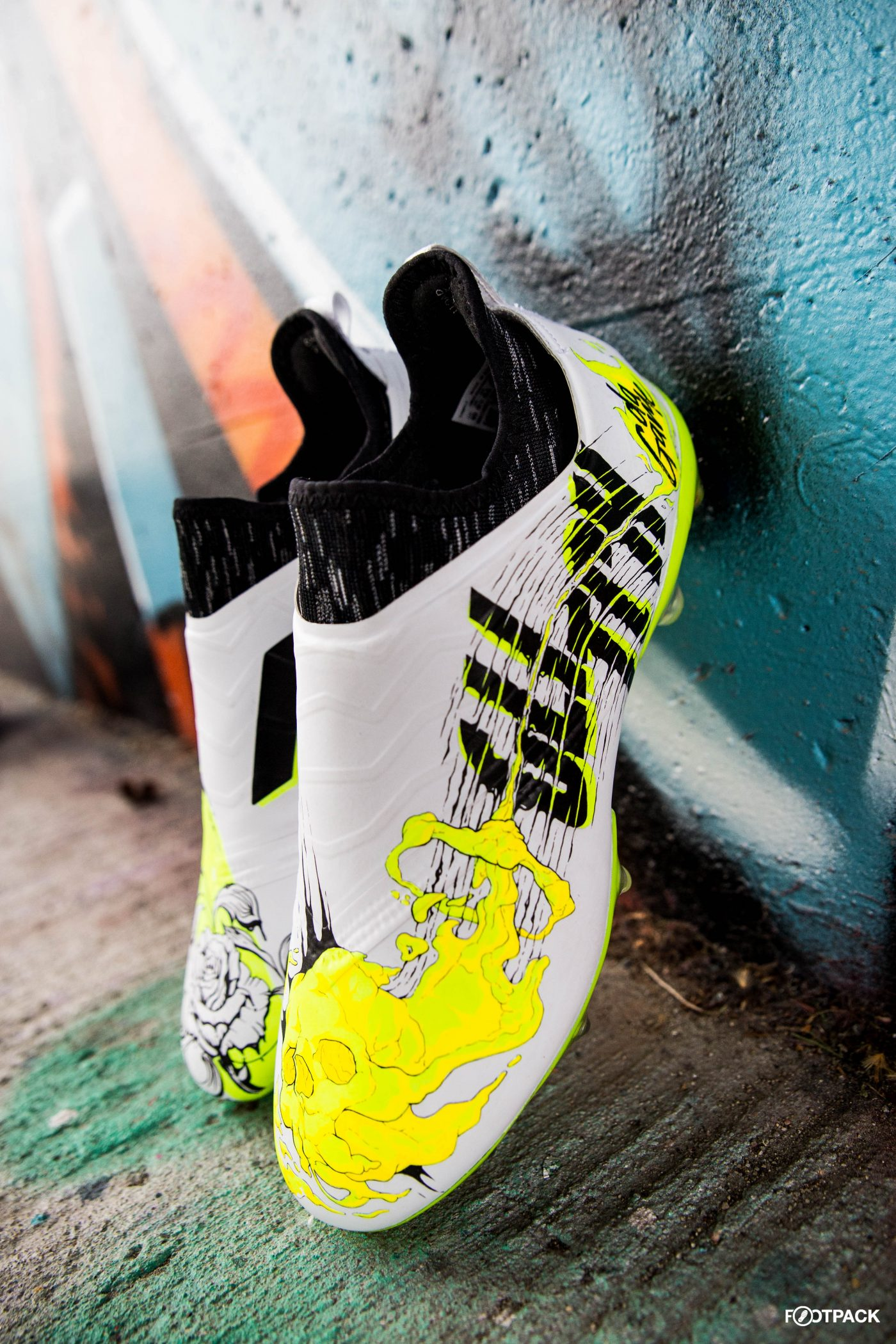 skin-glitch-footpack-adidas-co-creation-20
