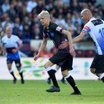 Wenger en Kipsta et Zidane en Predator blackout lors d'un match caritatif