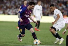 Image de l'article Lionel Messi change de chaussures en plein match