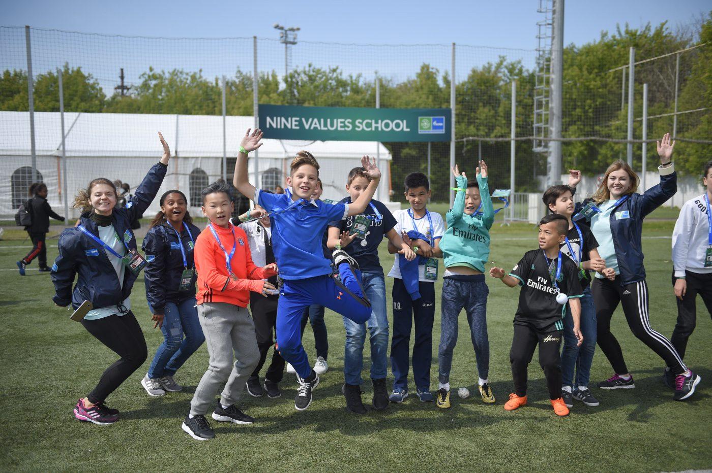 football-pour-amitie-programme-uefa-fifa-gazprom-1