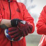 Quel avenir pour les gants de gardien ?