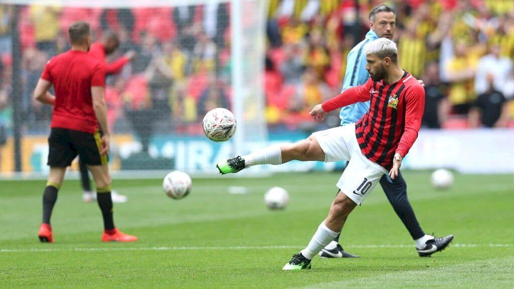 maillot-pre-match-manchester-city-rouge-noir-fa-cup-2