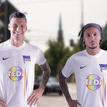 Le Hertha Berlin dévoile un maillot pour soutenir la diversité