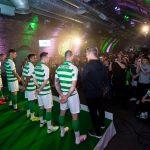 Les supporters du Celtic veulent que les joueurs portent des chaussures orange!
