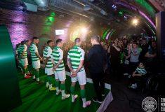 Image de l'article Les supporters du Celtic veulent que les joueurs portent des chaussures orange !