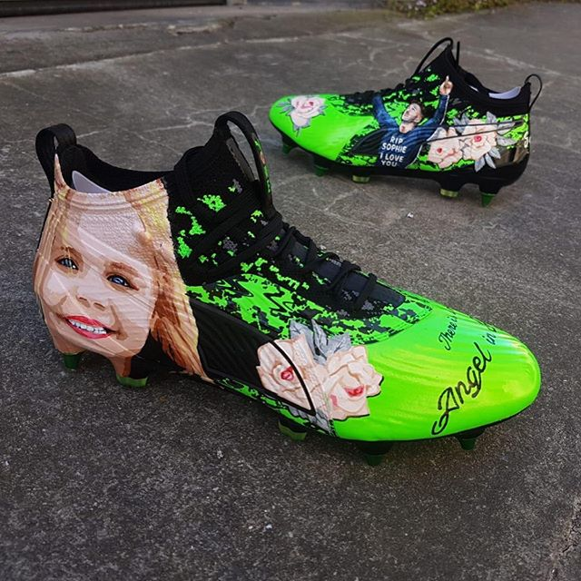 chaussures-football-puma-one-james-maddison-hommage-sophie-taylor-euro-u21-footpack-juin-2019-2