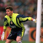 adidas célèbre Iker Casillas avec une paire de gants iconique