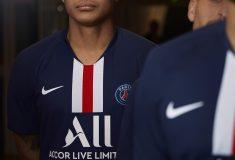 Image de l'article Quels étaient les maillots du PSG lors de ses 1/2 finales de Coupes d'Europe ?