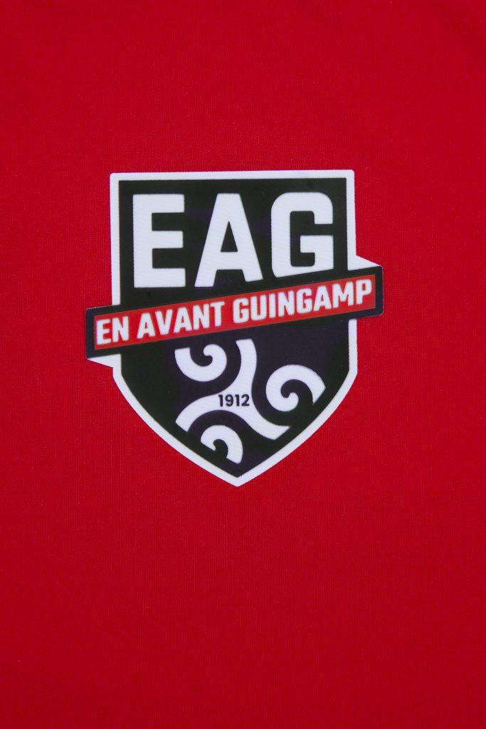 maillot-exterieur-guingamp-2019-2020-umbro-logo