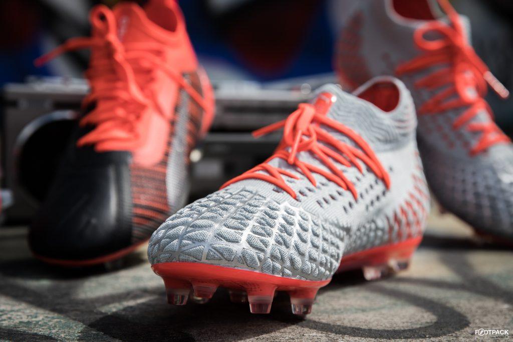 2017 Le plus populaire Asics Chaussures de football
