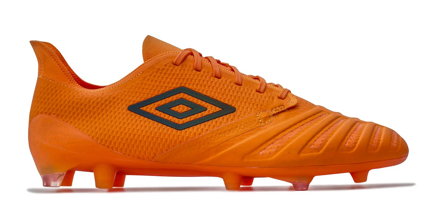 umbro-ux-accuro-3-1