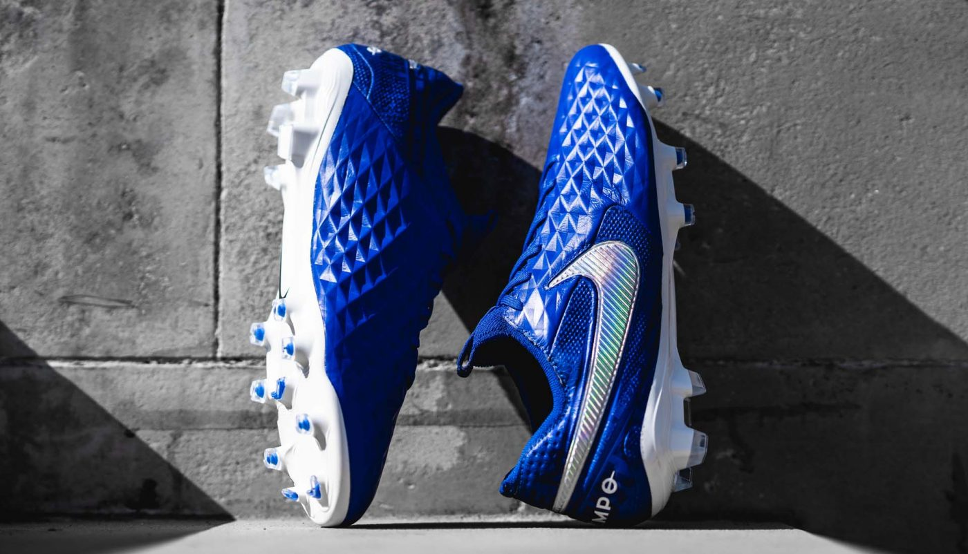 chaussures-football-nike-tiempo-legend-8-new-lights-2019-footpack-3