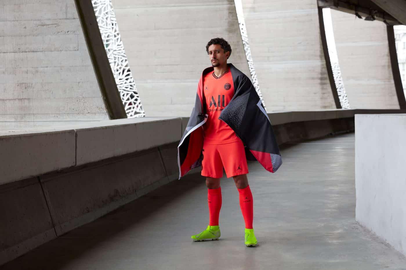maillot-exterieur-paris-saint-germain-psg-2019-2020-jordan-8