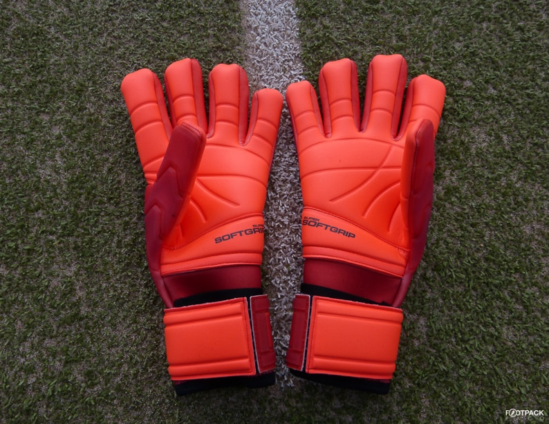 gants-kipsta-f900-orange-footpack-1