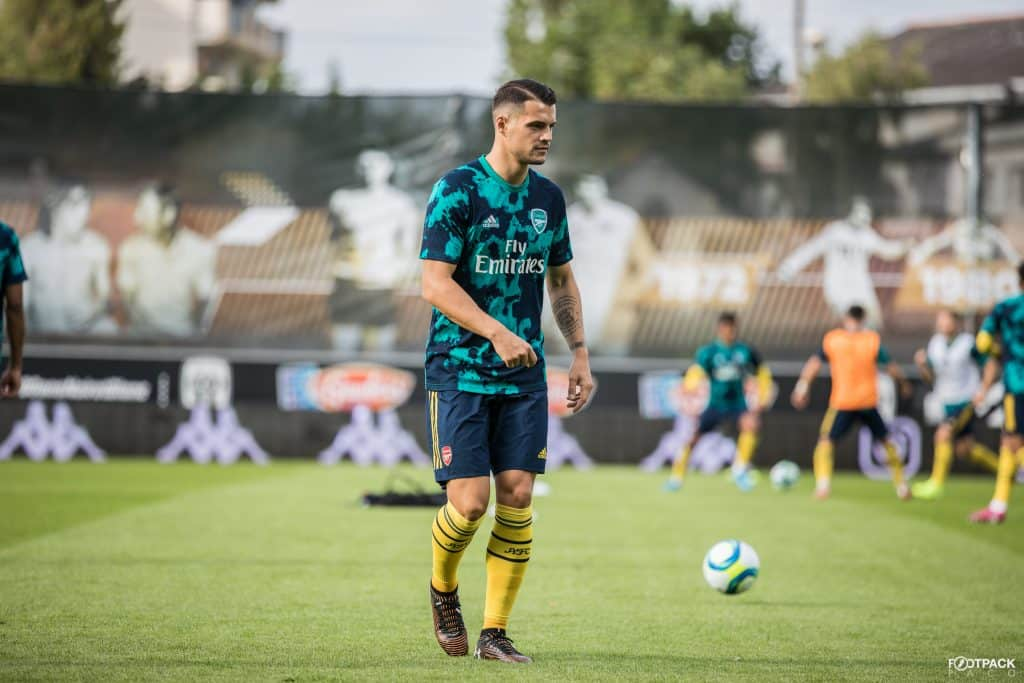 granit-xhaka-under-armour-magnetico-control-footpack-2