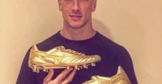 Image de l'article Mizuno honore Fernando Torres avec une paire unique
