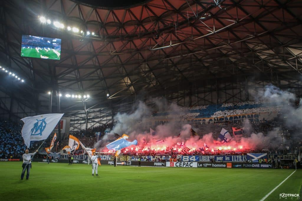 supporters-marseille-croix-phoceenne-tifo-footpack