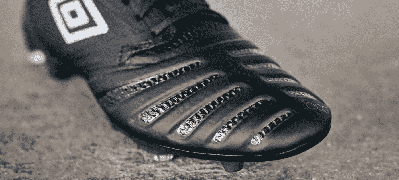 umbro-ux-accurro-2-blackout-2