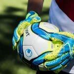 Quelles sont les différences entre les gants de gardien uhlsport?