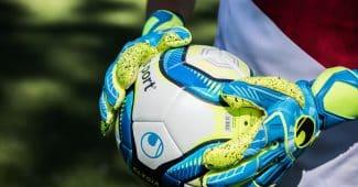 Image de l'article Quelles sont les différences entre les gants de gardien uhlsport?