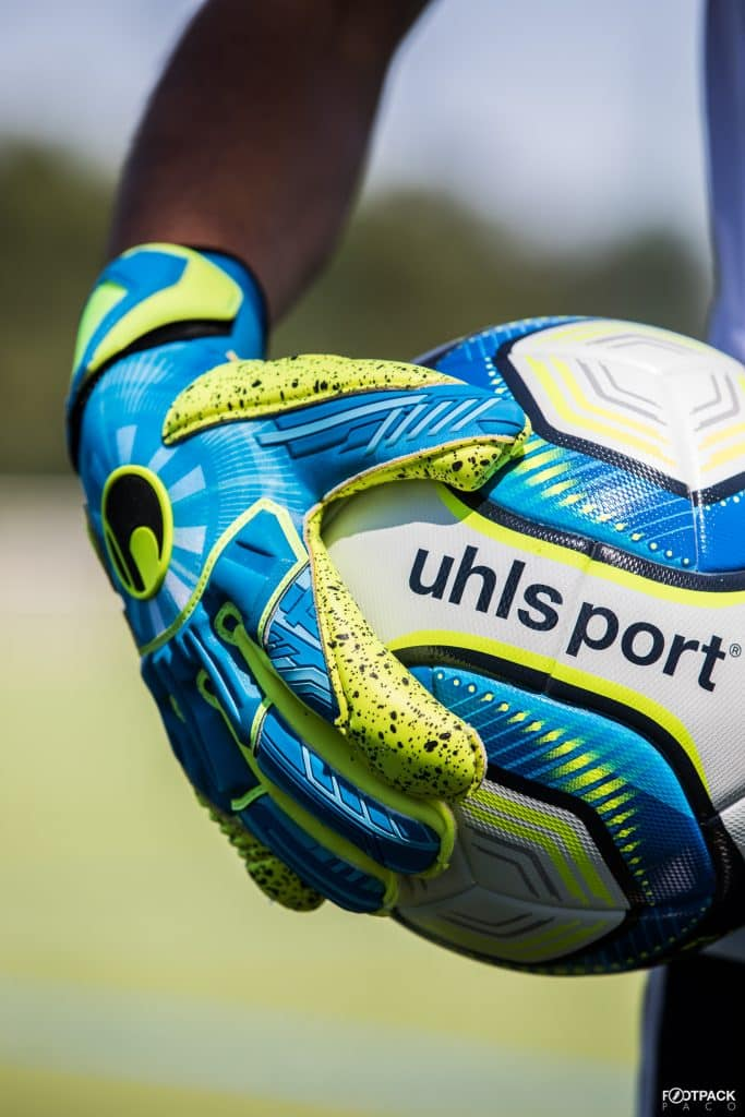 comparatif-gants-uhlsport-footpack-3