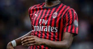 Image de l'article Pourquoi l'AC Milan joue avec le badge Ligue des Champions en championnat ?