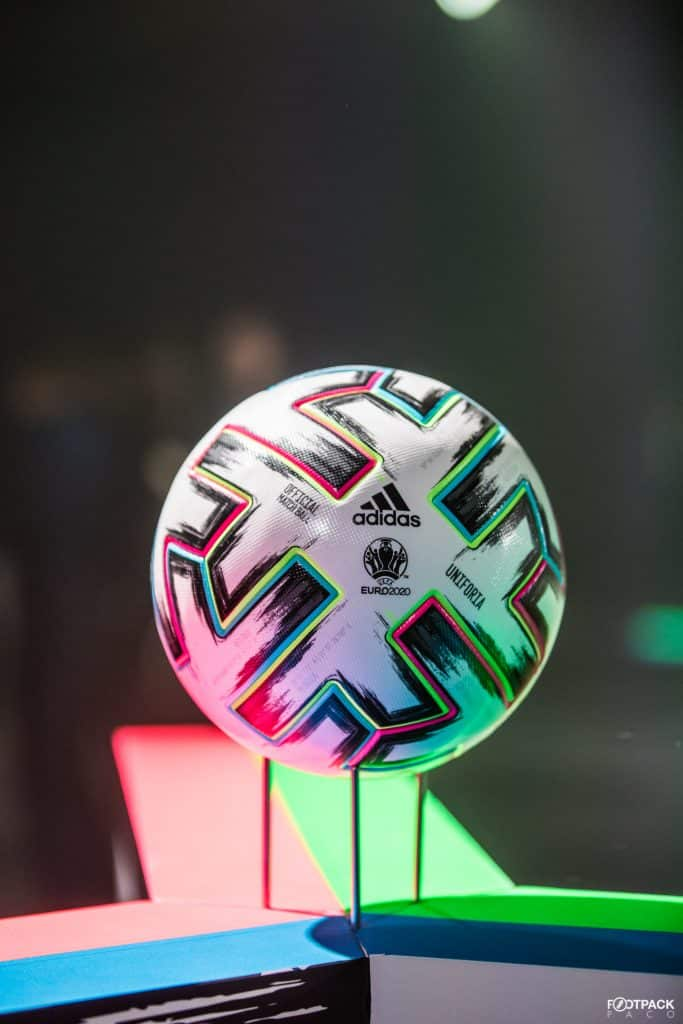 ballon-adidas-euro-2020-uniforia-footpack-1
