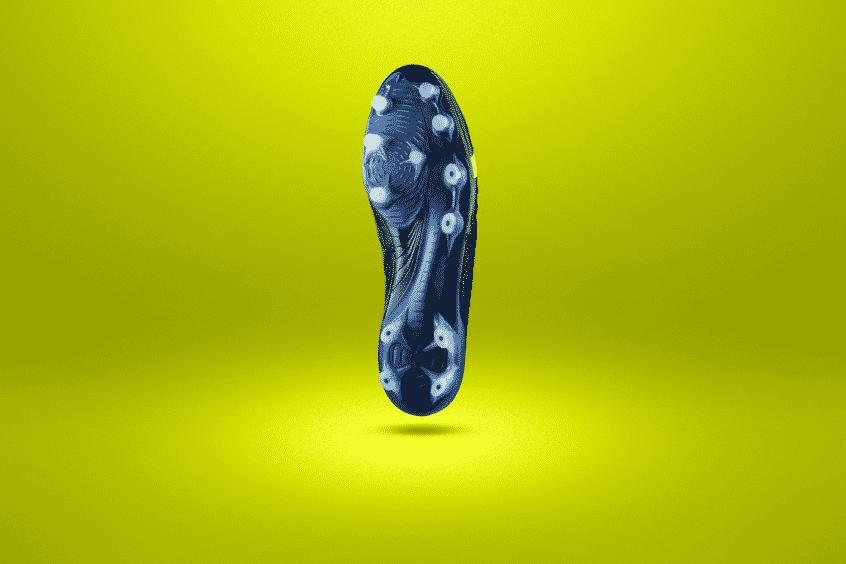 chaussures-foot-mizuno-rebula-3-noire-jaune-brazilian-spirit-footpack-2019-4