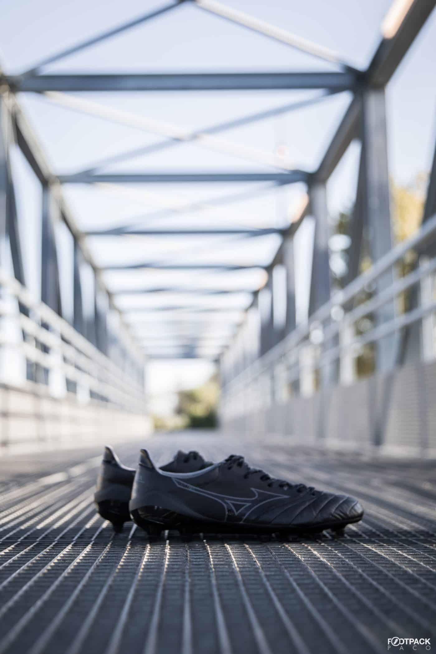 mizuno-morelia-2-neo-beta-noir-footpack-2