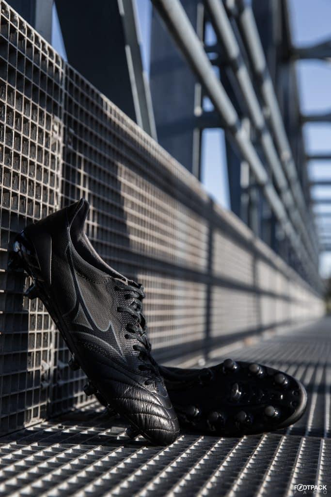 mizuno-morelia-2-neo-beta-noir-footpack-4