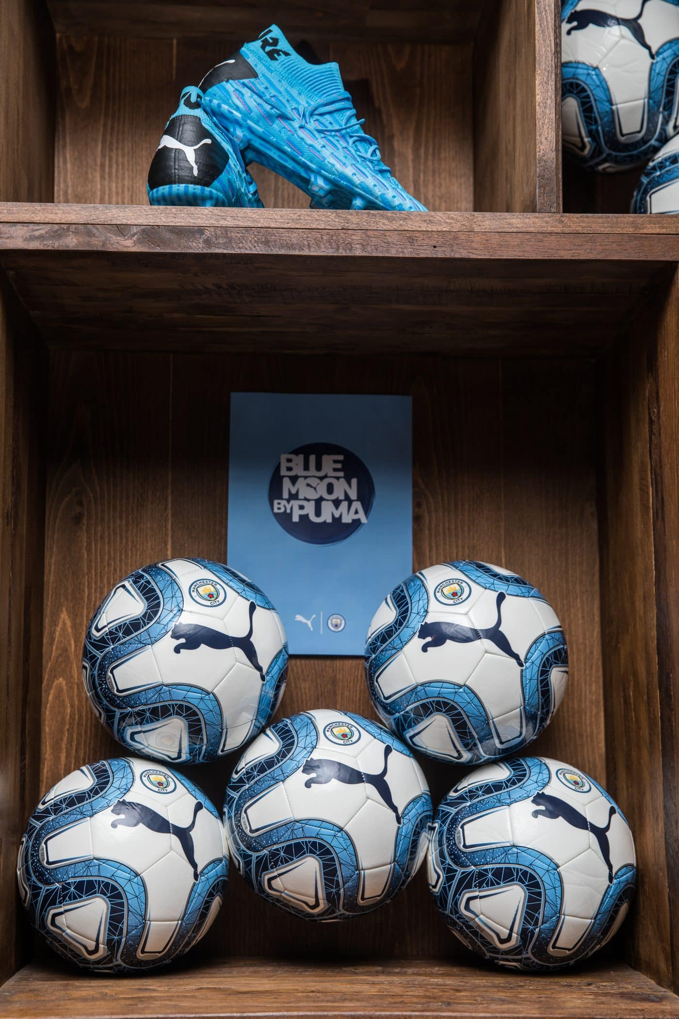 soiree-blue-moon-manchester-city-puma-footpack-6
